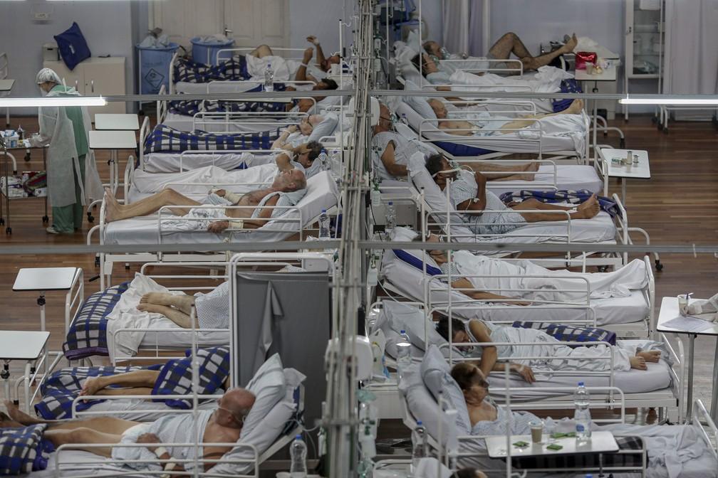 Leitos do Hospital de Campanha em Santo André, na Grande São Paulo - Foto: Suamy Beydoun/AGIF