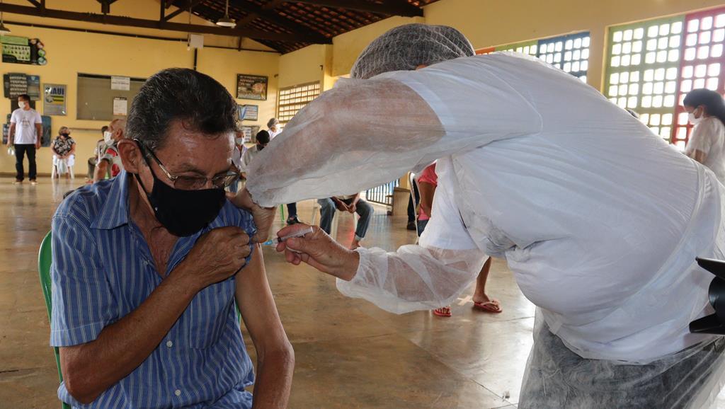Valença do Piaui avança com vacinação de idosos entre 75 e 79 anos - Imagem 31