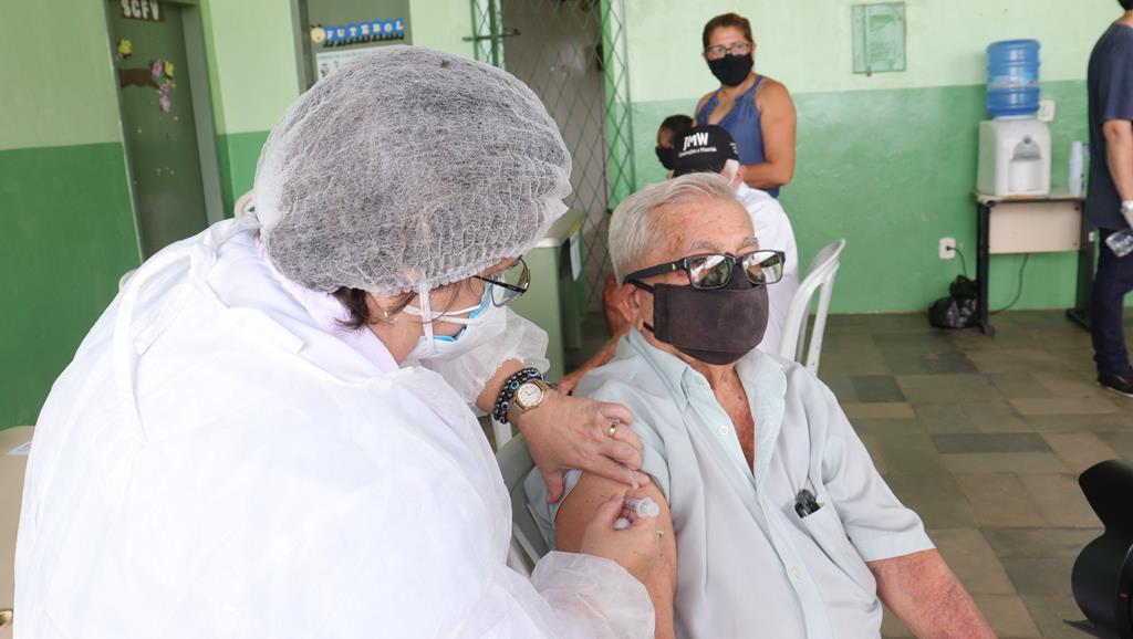 Valença do Piaui avança com vacinação de idosos entre 75 e 79 anos - Imagem 20