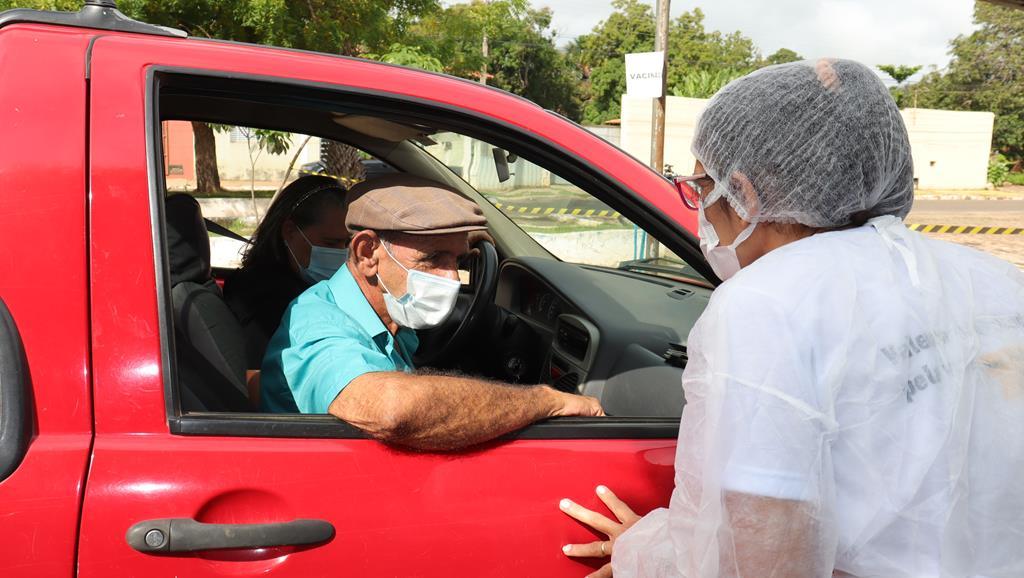 Valença do Piaui avança com vacinação de idosos entre 75 e 79 anos - Imagem 11