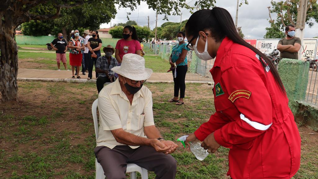 Valença do Piaui avança com vacinação de idosos entre 75 e 79 anos - Imagem 15