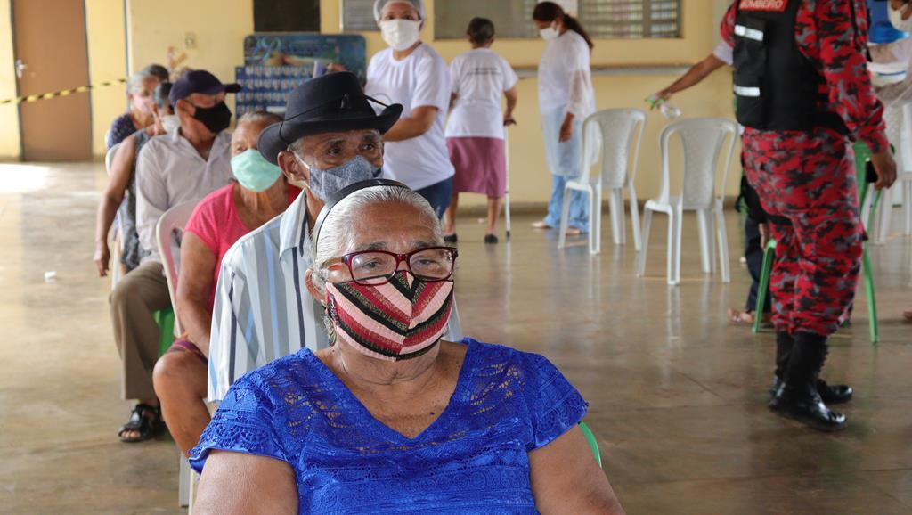 Valença do Piaui avança com vacinação de idosos entre 75 e 79 anos - Imagem 35