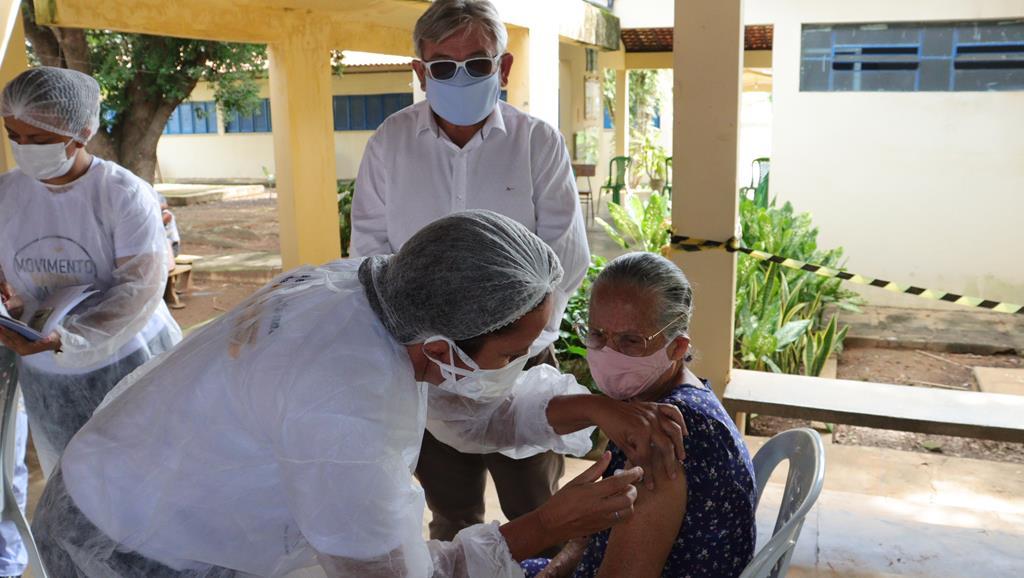 Valença do Piaui avança com vacinação de idosos entre 75 e 79 anos - Imagem 42