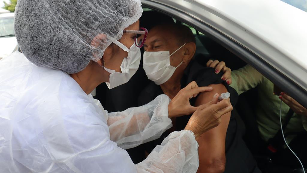Valença do Piaui avança com vacinação de idosos entre 75 e 79 anos - Imagem 9