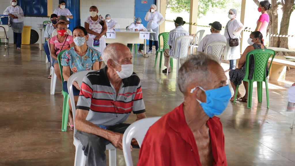 Valença do Piaui avança com vacinação de idosos entre 75 e 79 anos - Imagem 40