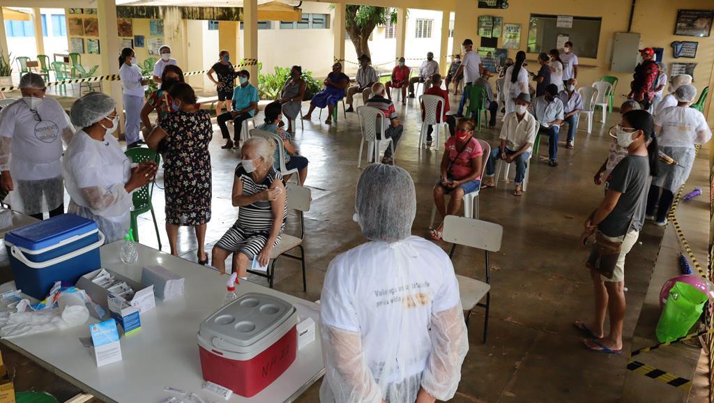 Valença do Piaui avança com vacinação de idosos entre 75 e 79 anos - Imagem 32