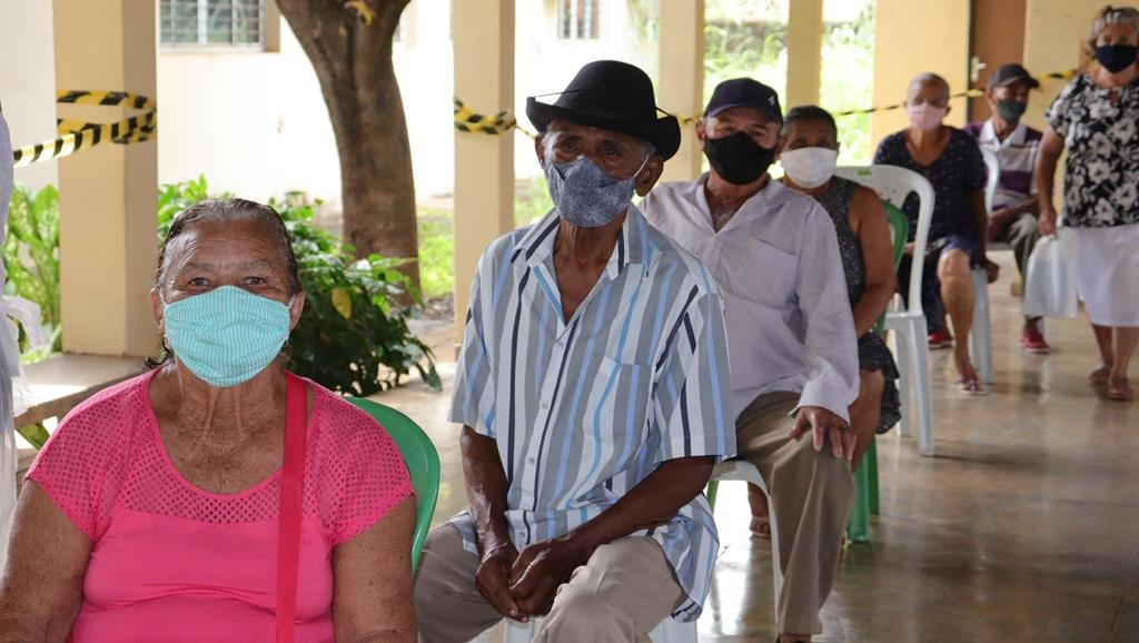 Valença do Piaui avança com vacinação de idosos entre 75 e 79 anos - Imagem 38