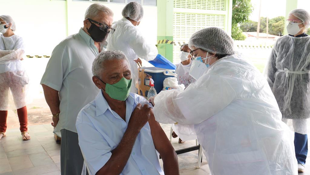 Valença do Piaui avança com vacinação de idosos entre 75 e 79 anos - Imagem 19
