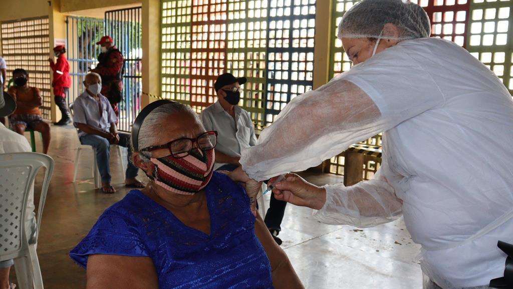 Valença do Piaui avança com vacinação de idosos entre 75 e 79 anos - Imagem 37