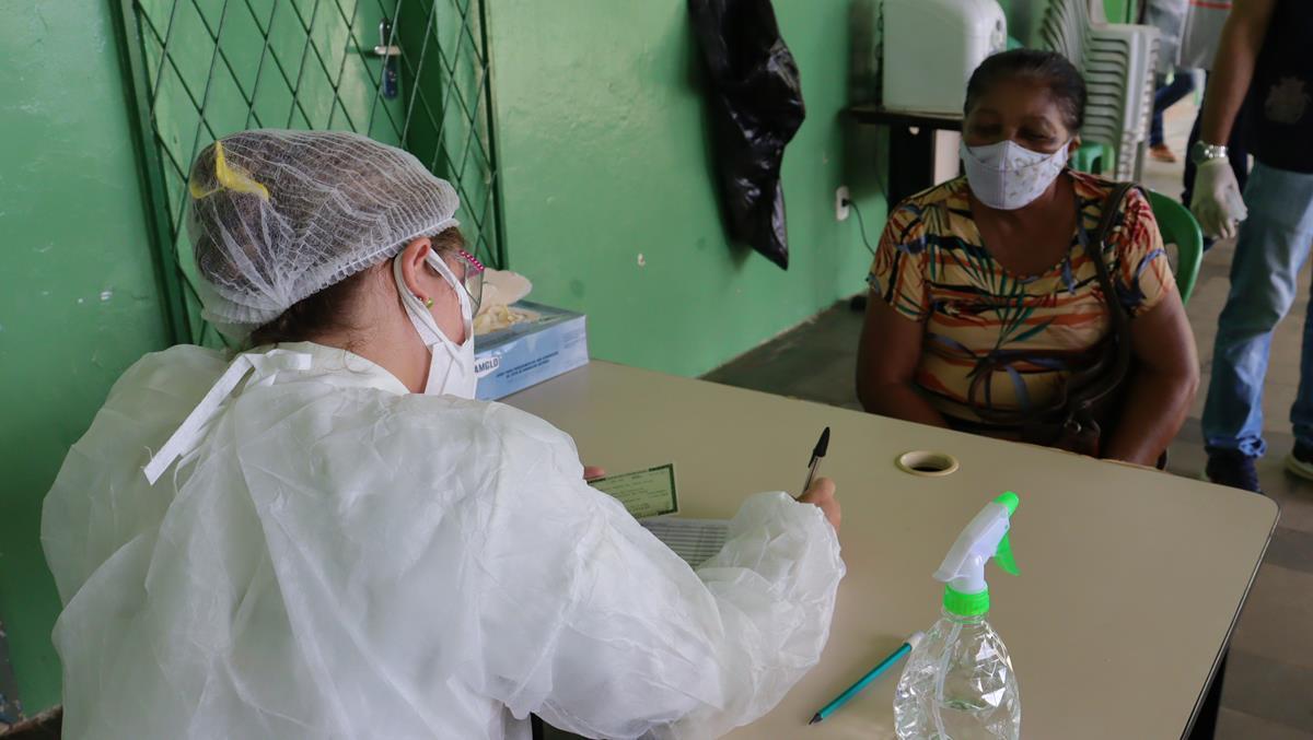 Idosos de 70 e 74 anos são vacinados na cidade e interior de Valença  - Imagem 15
