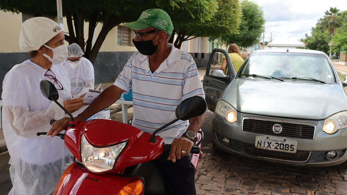 Idosos de 70 e 74 anos são vacinados na cidade e interior de Valença  - Imagem 25