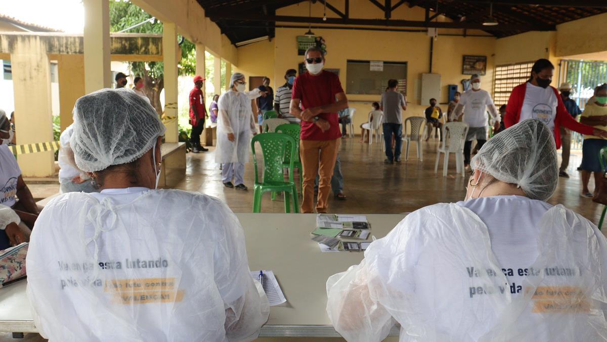 Idosos de 70 e 74 anos são vacinados na cidade e interior de Valença  - Imagem 4