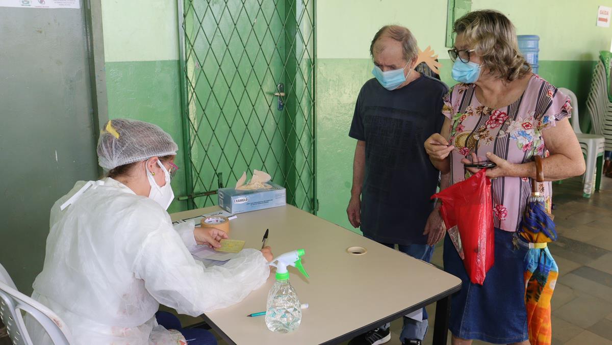 Idosos de 70 e 74 anos são vacinados na cidade e interior de Valença  - Imagem 17