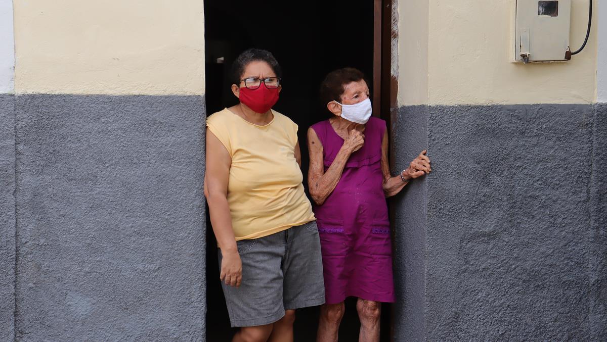 Idosos de 70 e 74 anos são vacinados na cidade e interior de Valença  - Imagem 31