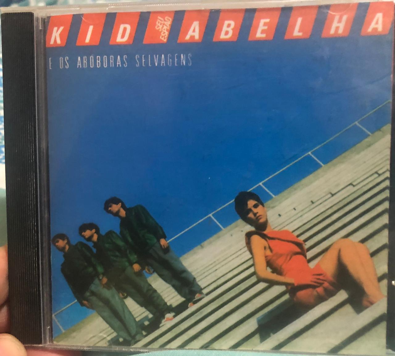 """""""Seu Espião"""" com Leoni e Paula na capa, além de George Israel e Bruno Fortunato. O álbum relançou a faixa """"Pintura Íntima"""" em LP, na época.Crédito: Reprodução."""