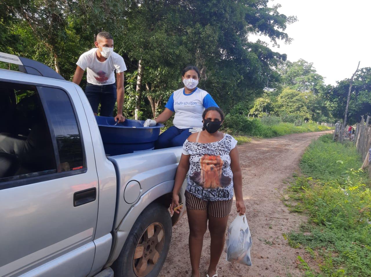 Prefeito João Luiz mantém tradição de distribuição do pescado em Monsenhor Gil - Imagem 5