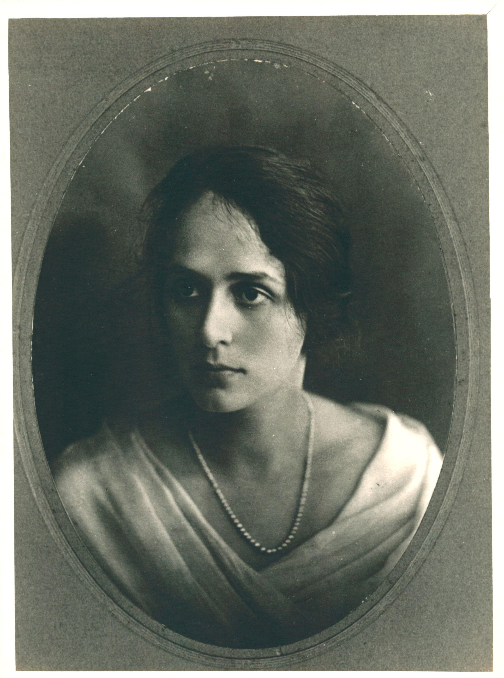 Anna Amélia de Queiroz