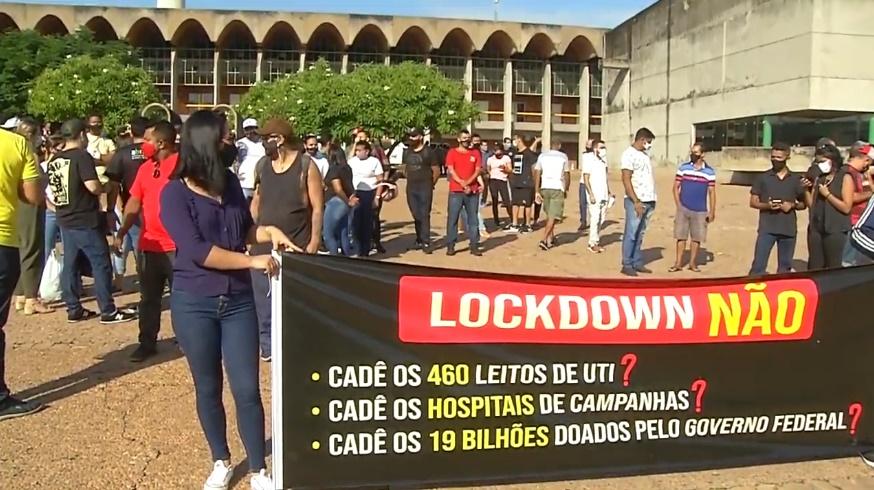 Protesto em frente à ALEPI pede ampliação de leitos e reabertura dos hospitais de campanha - Imagem 1