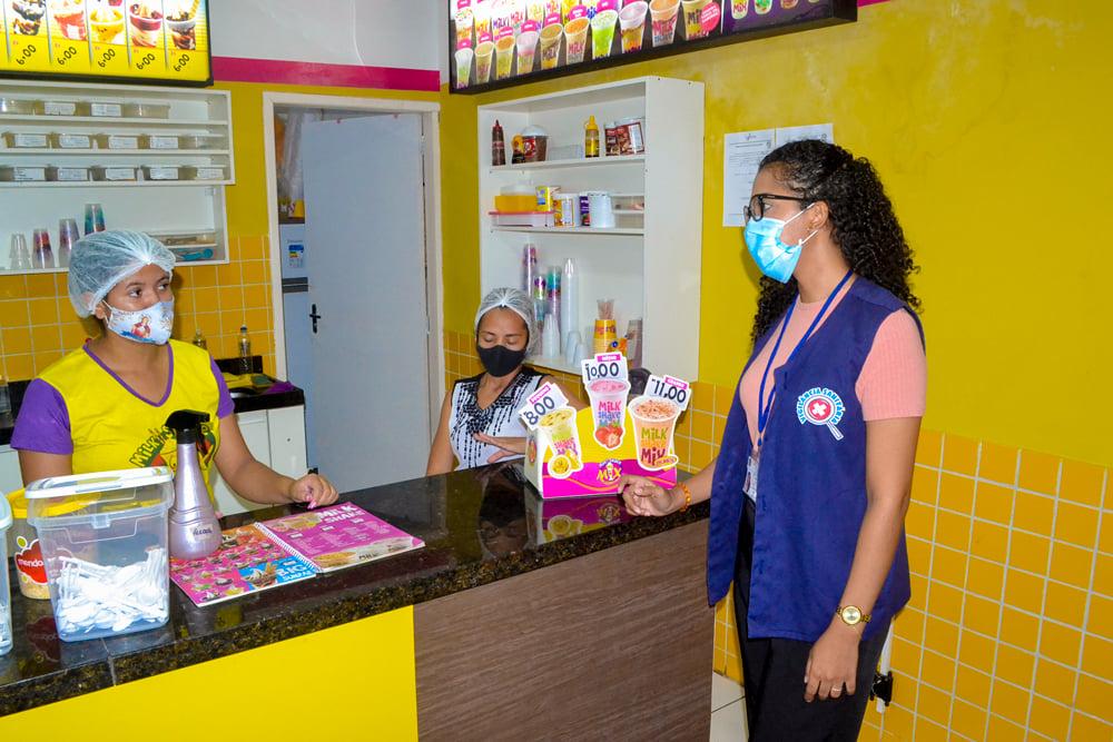 Vigilância Sanitária realiza Blitz Educativa - Imagem 4