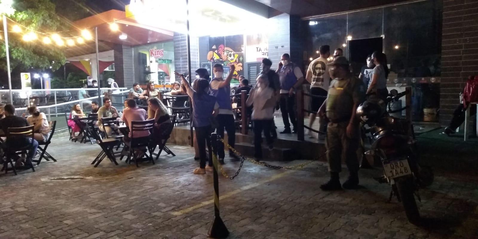 Com novo decreto, bares e restaurantes funcionarão até às 21h - Imagem 1