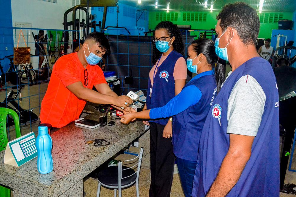 Vigilância Sanitária realiza Blitz Educativa - Imagem 2
