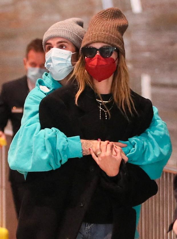 Justin Bieber e Hailey são flagrados em clima de romance em Paris  - Imagem 1
