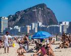 Rio proíbe ambulantes em praias e permanência nas ruas entre 23h e 5h