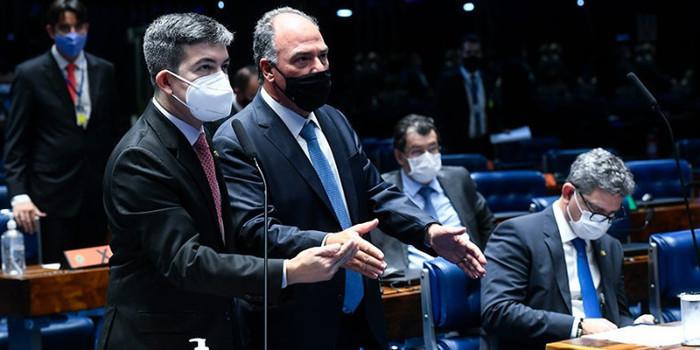 Senado aprova, em 2º turno, PEC que viabiliza auxílio emergencial