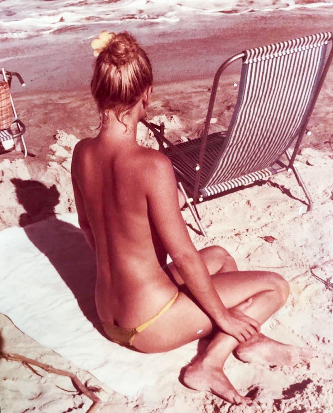 Vera Fischer posta foto, relembra topless na Bahia e fãs elogiam - Imagem 1