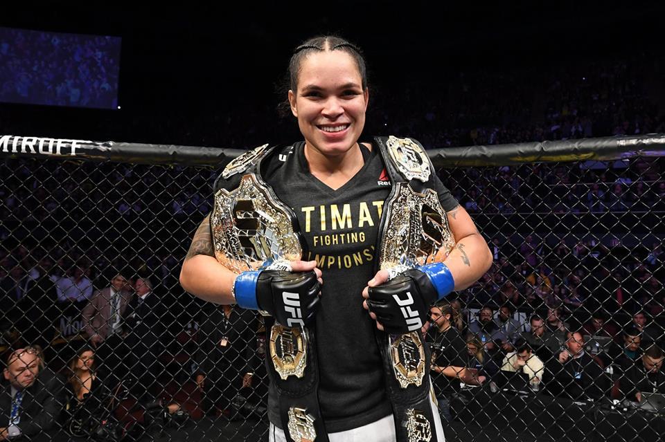 Amanda Nunes defende cinturão contra australiana no UFC deste sábado- Foto: Getty Images