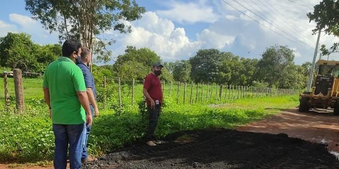 Prefeitura realiza recuperação de estradas vicinais na zona rural de Campo Maior