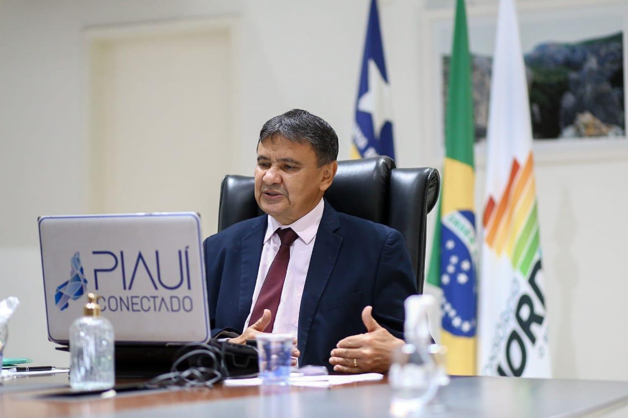 Wellington Dias foi citado por Bolsonaro em live