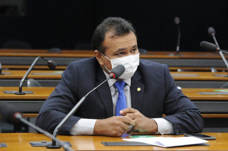 Deputado federal Fábio Abreu encampou a luta pela aprovação da proposta (Foto: Agência Câmara)