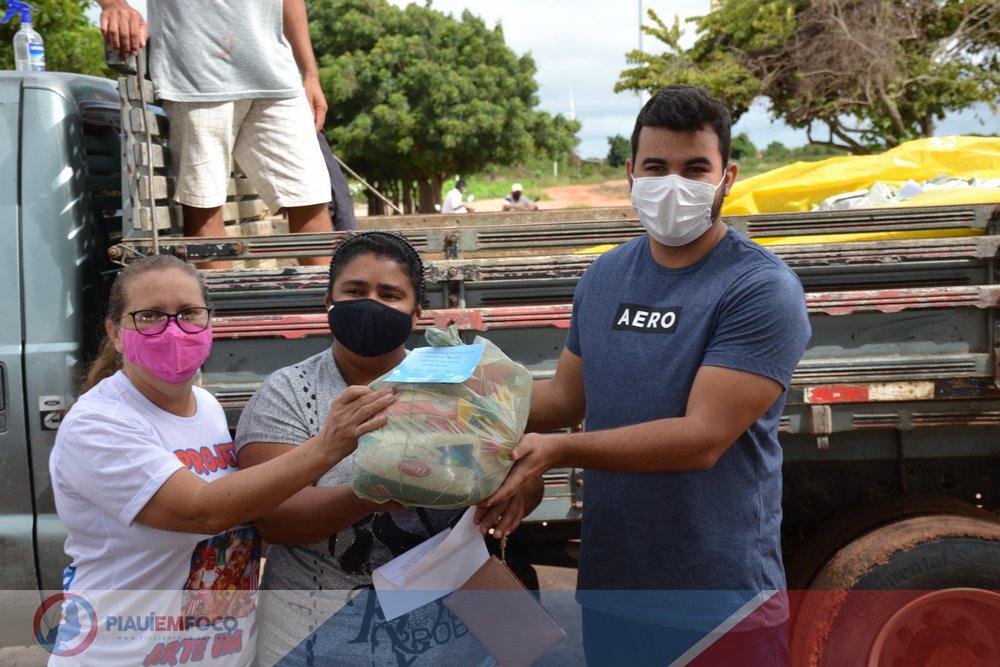 Distribuição de 1 mil cestas básicas, cerca de 12 toneladas de alimentos em ação social - Foto: Piauí em Foco