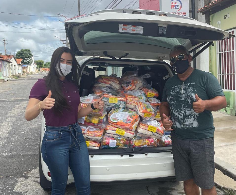 """Fernanda Gomes faz doação: """"Pouco para você é muito pra alguém"""" - Imagem 1"""