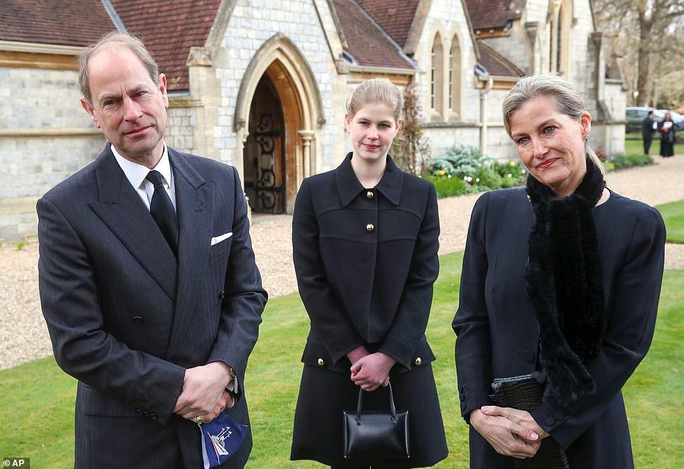 """Sophie, Condessa de Wessex (à direita), descreveu morte de príncipe Philip como """"tão gentil"""""""