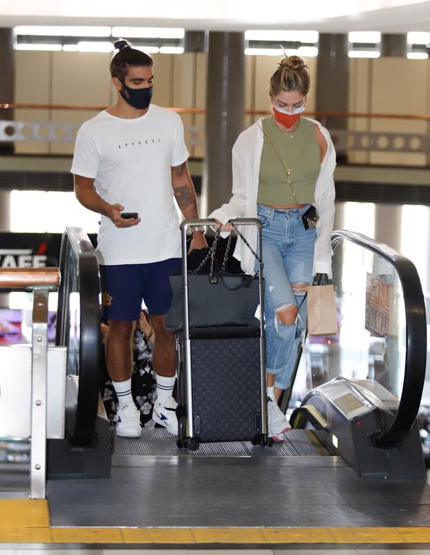 eles usaram looks despojados para viajarem