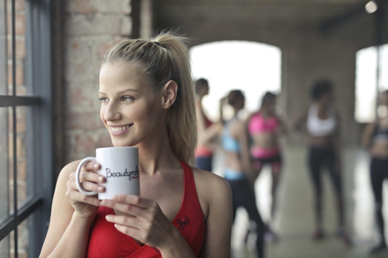 Tomar cafè melhora desempenho na academia