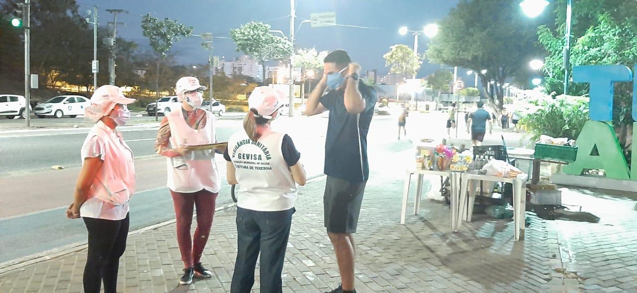Gevisa durante fiscalização na avenida Raul Lopes em Teresina (Foto: Ascom/FMS)