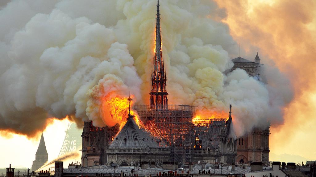Catedral de Notre-Dame sofreu grande incêndio há dois anos
