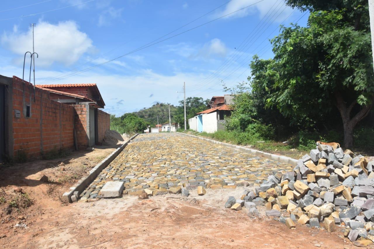 Obras em Monsenhor Gil parceria legislativo com executivo - Imagem 2