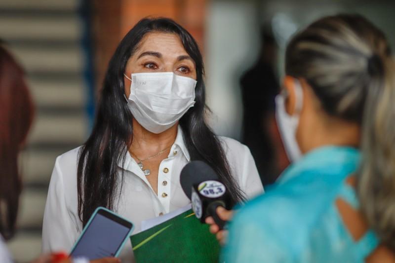Deputada defende prioridade na vacinação para pacientes oncológicos