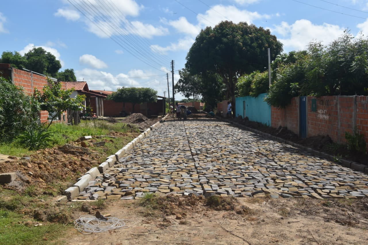 Obras em Monsenhor Gil parceria legislativo com executivo - Imagem 10