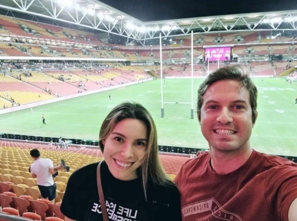 Rafael mora em Brisbane e Giovanna em Gold Coast, na Austrália — Foto: Arquivo pessoal