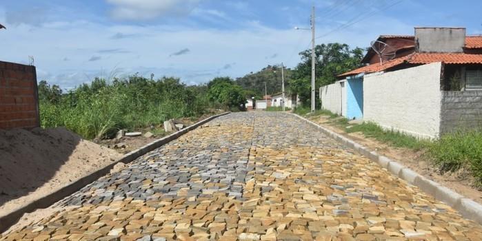Obras em Monsenhor Gil parceria legislativo com executivo