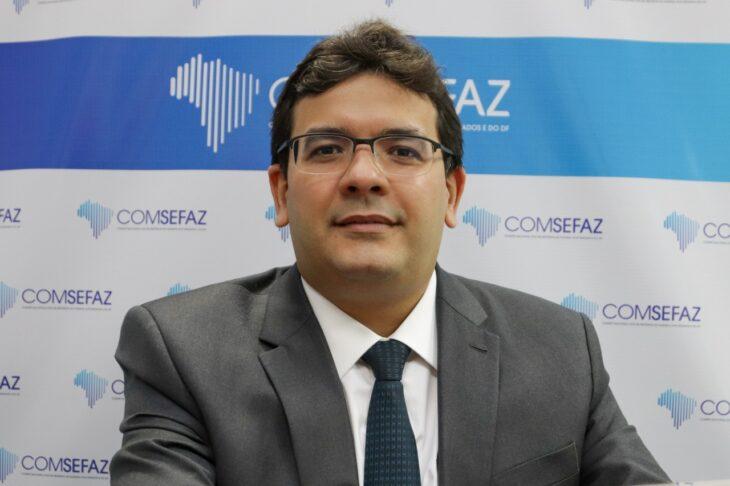 Rafael Fonteles comemora a criação do Pro Educação (Foto: CCOM)