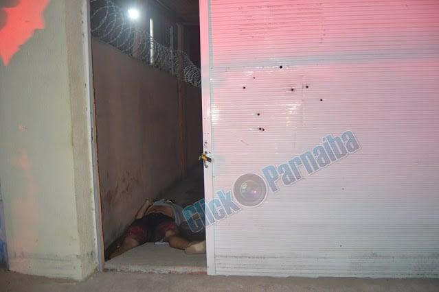 Jovem é morto a tiros por engano pelo ex-cunhado em Parnaíba - Imagem 1
