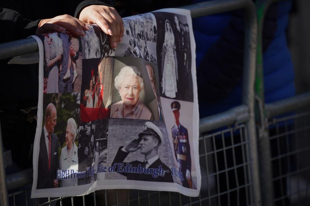 Súditos levam homenagens a funeral de Príncipe Philip - Foto: Getty Images