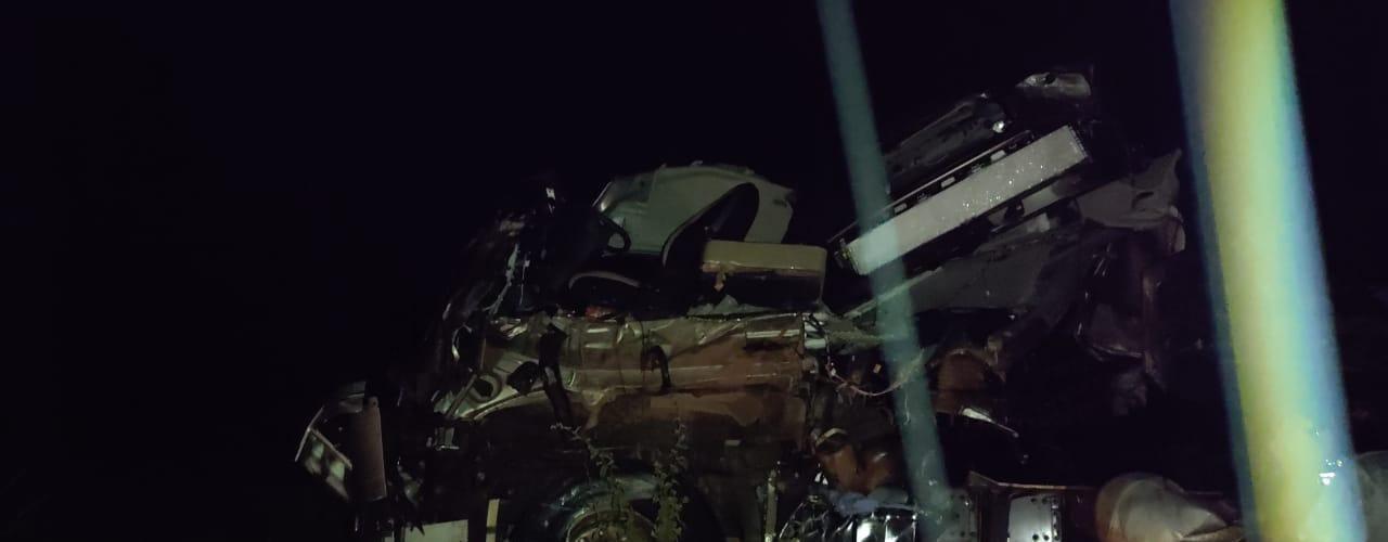 Colisão ente ônibus e carreta deixa 3 mortos no Piauí