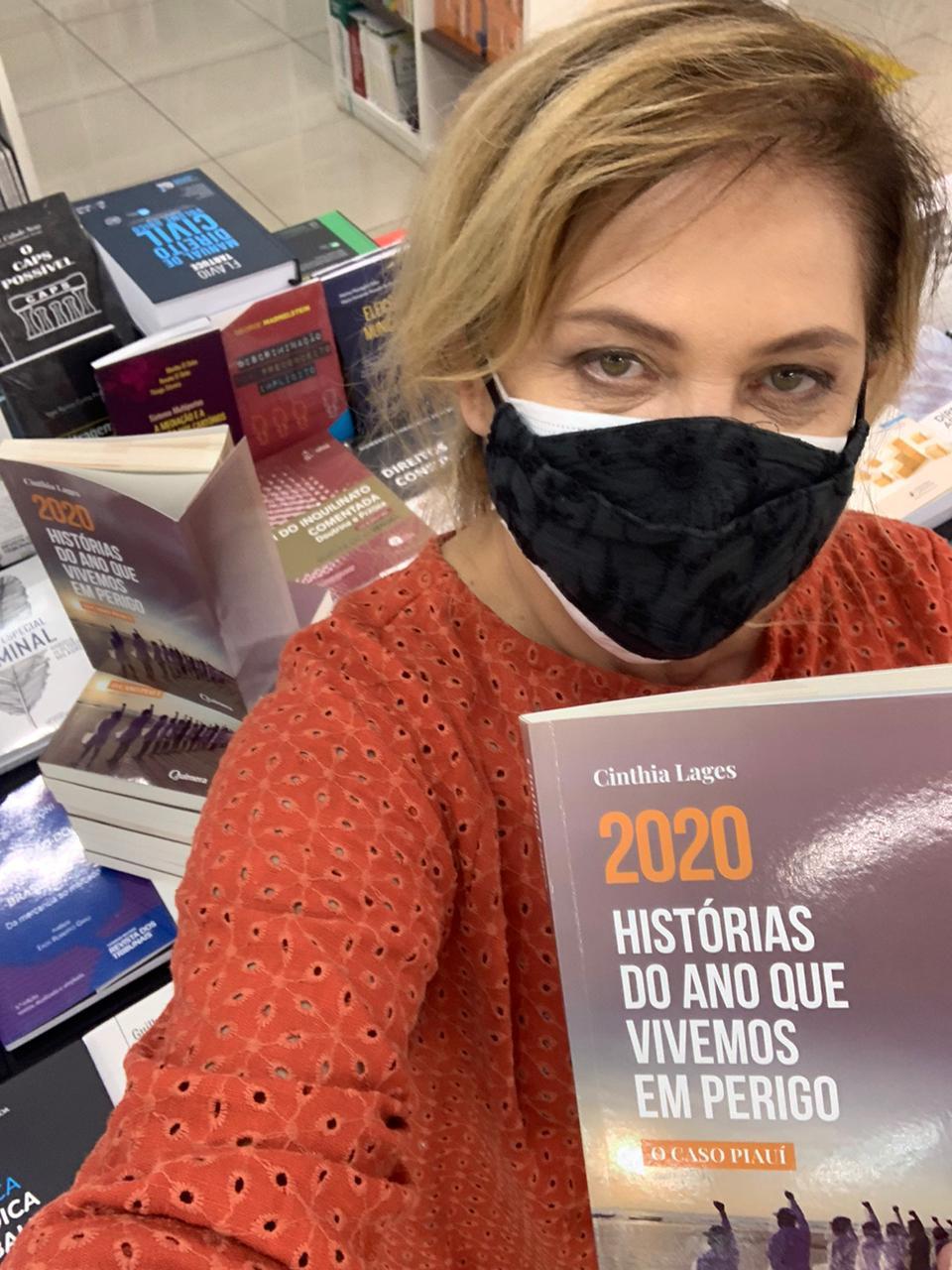 Jornalista Cinthia Lages registra histórias emocionantes de pessoas que enfrentaram a Covid